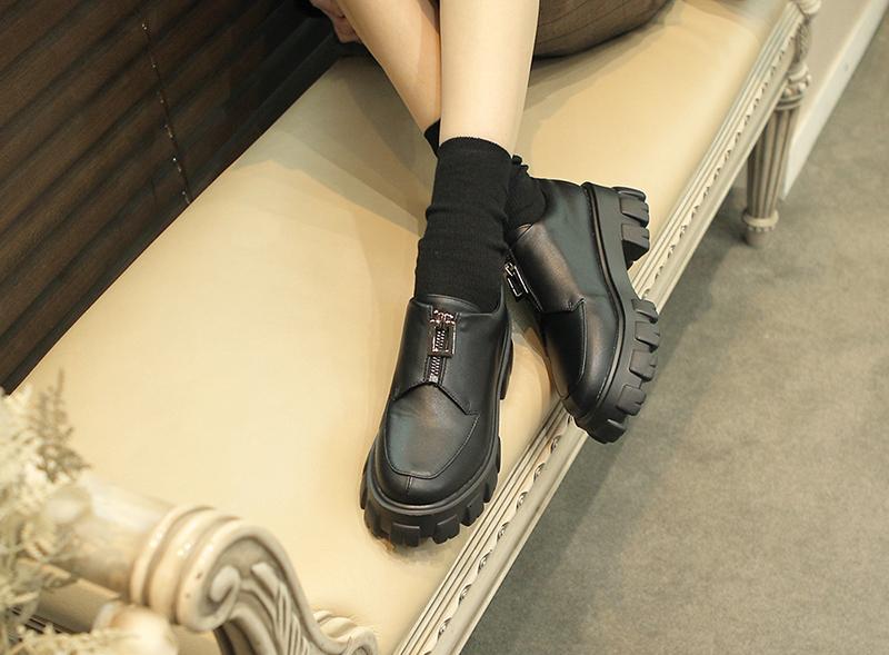 리플라(LI FLA) 20B309 black loafer